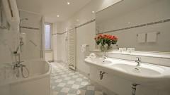 classy bathrooms in the Sternhotel in Bonn
