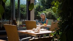 Relax in the garden of the hotel Haus Arenberg in Salzburg