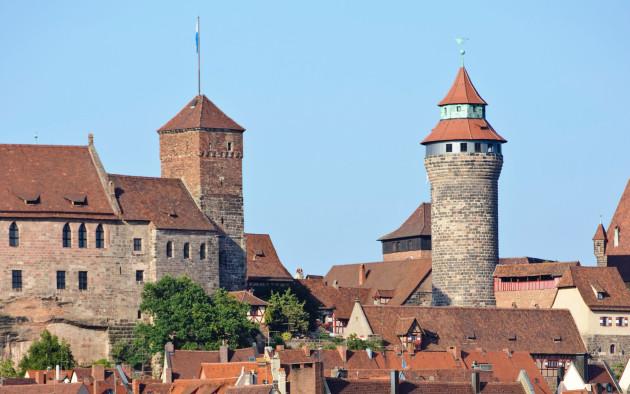 Die Nürnberger Burg ist das Wahrzeichen der Stadt und eine Attraktion für Besucher.