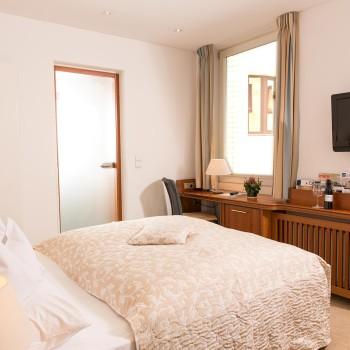 Edle Zimmer im Hotel Baseler Hof in Hamburg