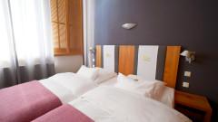 Schönes Zimmer im Young Hotel in Hamburg