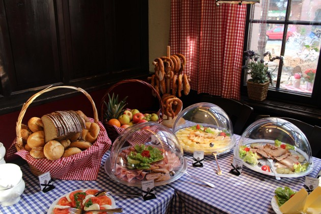 Große Auswahl beim delikaten Frühstücksbuffet im Hotel PILLHOFER in Nürnberg