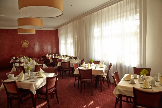 Gemütlicher Speisesaal im Hotel Prinzregent in Nürnberg