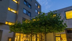 Gemütlicher Gastgarten beim art + business hotel Architektur in Nürnberg