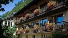 Die Balkonblumen blühen im Hotel Haus Arenberg in Salzburg