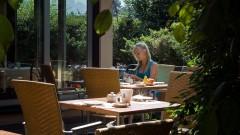Entspannen Sie im Garten und auf der Terrasse im Hotel Haus Arenberg in Salzburg